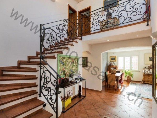 Ref. 617 - Casa for Sale in Melide