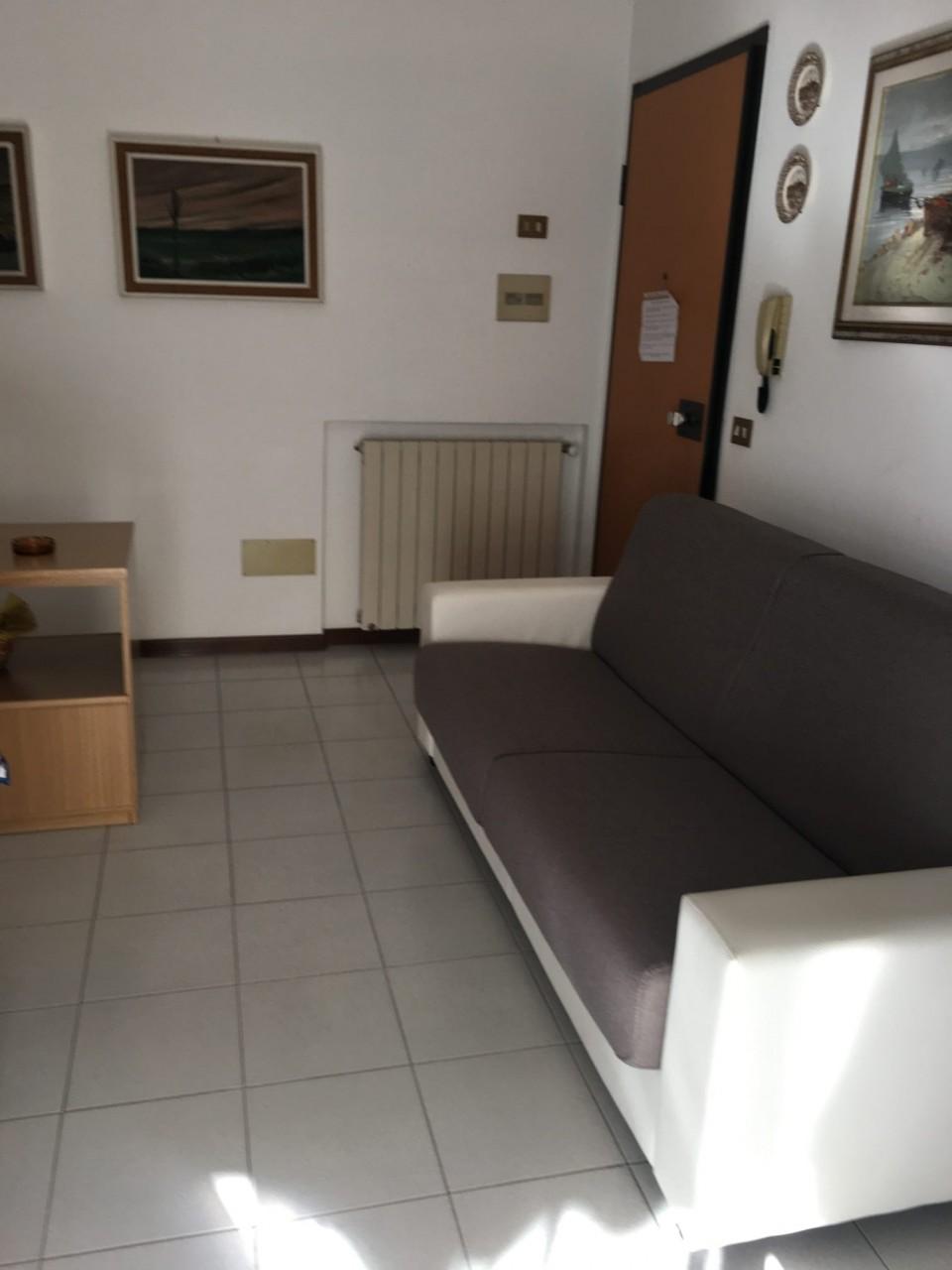 Appartamento in affitto a Camaiore, 9999 locali, prezzo € 2.900 | CambioCasa.it