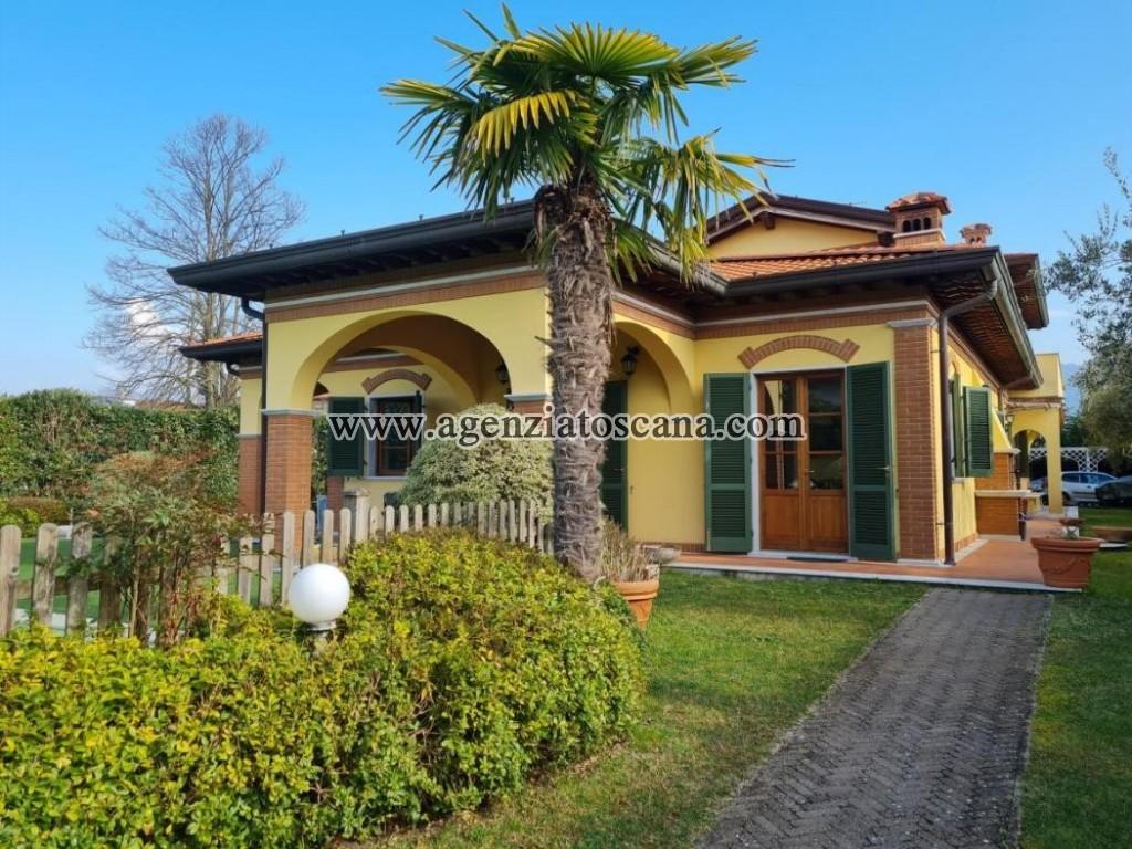 Villa Con Piscina in affitto, Forte Dei Marmi - Vittoria Apuana -  0