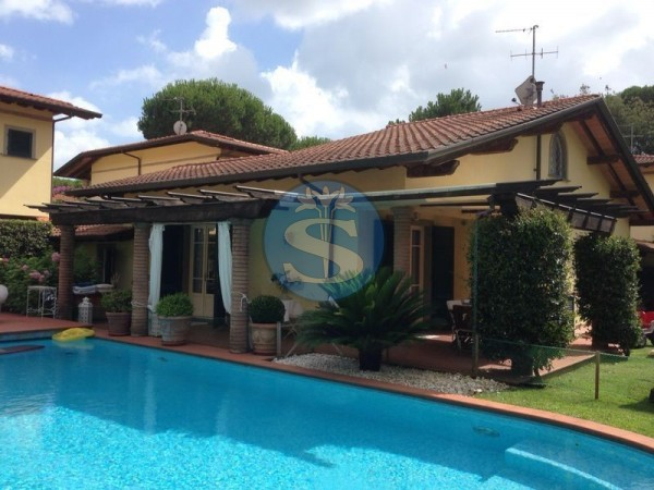 Riferimento SA013 - Villa in Affitto a Pietrasanta - Marina di Pietrasanta