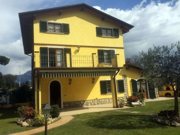 Riferimento 85-8 PL - Villa Bifamiliare in Affitto a Marina Di Pietrasanta