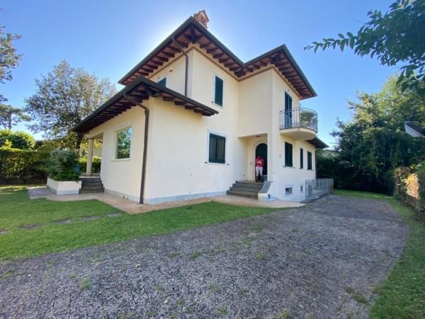 Riferimento SA015 - villa in Affitto Estivo in Pietrasanta - Marina Di Pietrasanta