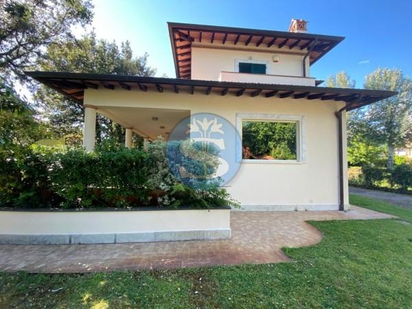 Riferimento SA015 - Villa in Affitto a Pietrasanta - Marina di Pietrasanta