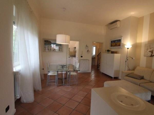 Riferimento SA016 - villa in Affitto in Pietrasanta - Marina Di Pietrasanta