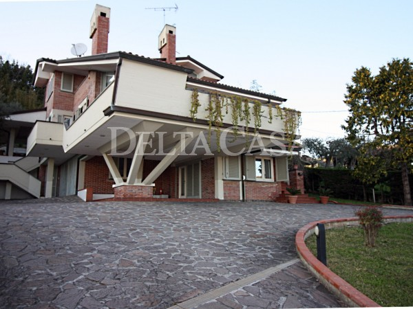 Reference MR2154VU - Villa - Villetta for Vendita in Massarosa