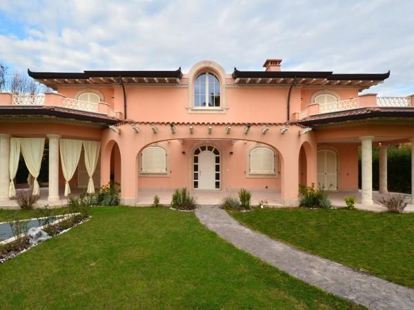Riferimento 2101 - Villa Singola in Affitto a Forte Dei Marmi
