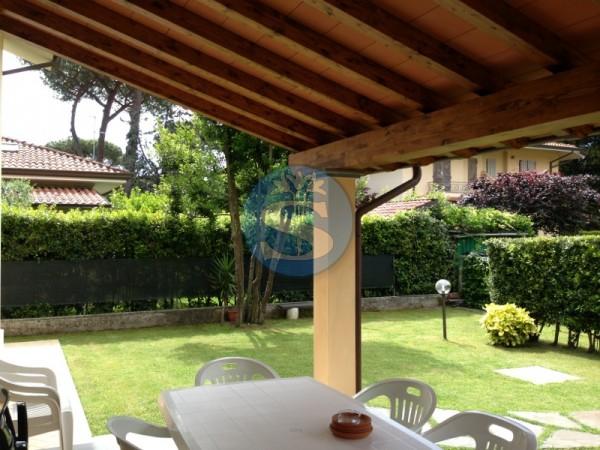 Riferimento SA08 - Villa in Affitto a Pietrasanta - Marina di Pietrasanta