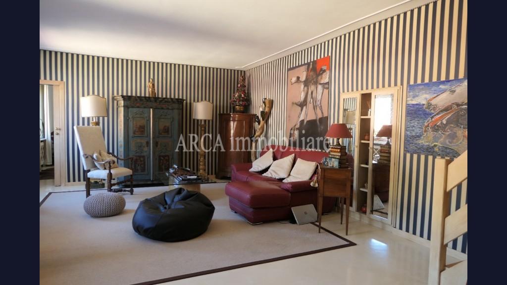 Appartamentoin Vendita, Pietrasanta - Centro Storico - Riferimento: 3015