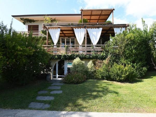 Riferimento SA112 - villa in Affitto Estivo in Forte Dei Marmi