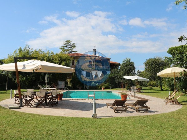 Reference SA112 - Villa for Rental in Forte Dei Marmi