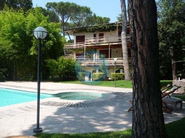 Reference SA1140 - Villa for Rentals in Forte dei Marmi