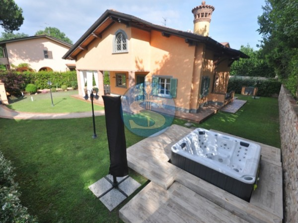 Reference SA117 - Villa for Rental in Forte Dei Marmi