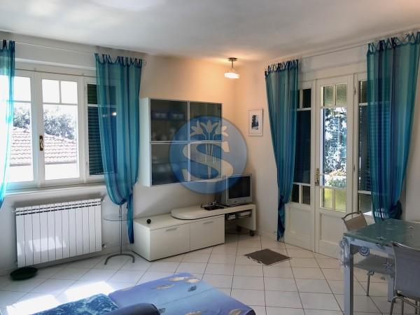 Riferimento SA120 - Appartamento in Affitto a Pietrasanta - Marina di Pietrasanta