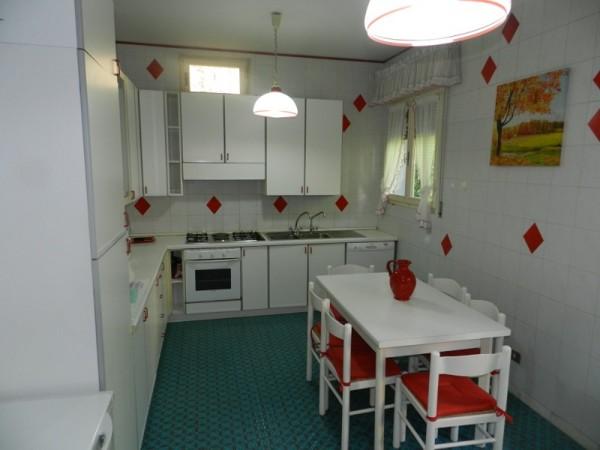 Riferimento SA124 - villa in Rental in Forte Dei Marmi