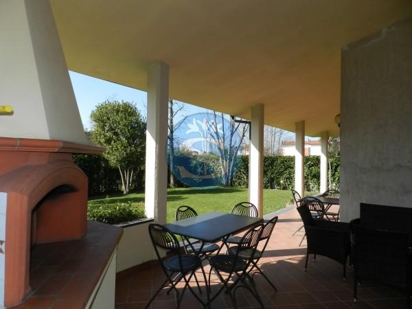 Riferimento SA126 - Villa in Affitto a Pietrasanta - Marina di Pietrasanta