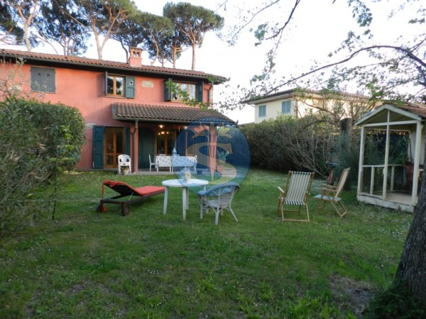 Reference SA1010 - Villa for Rentals in Pietrasanta - Marina di Pietrasanta