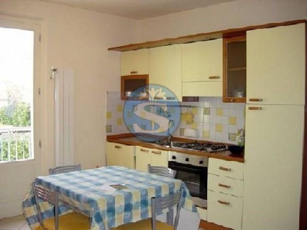 Riferimento SA88 - Appartamento in Affitto a Pietrasanta - Marina di Pietrasanta