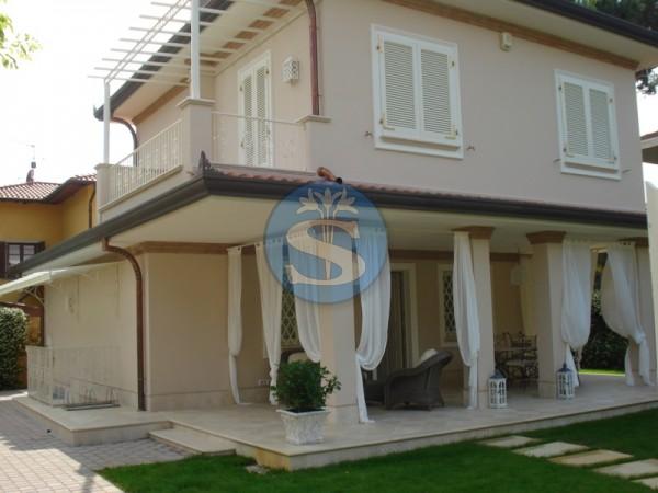 Riferimento SAX98 - Villa in Affitto a Pietrasanta - Marina di Pietrasanta