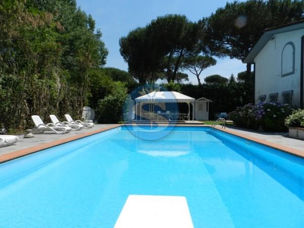 Reference SAR252 - Villa for Rentals in Forte dei Marmi - VITTORIA APUANA