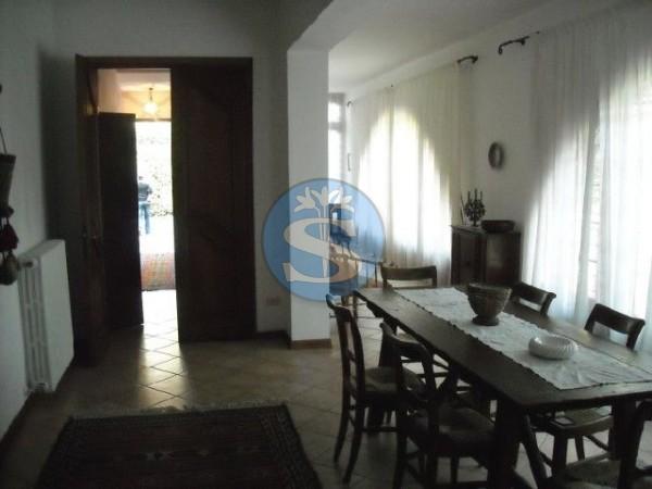 Riferimento SAR293 - Villa in Affitto a Roma Imperiale