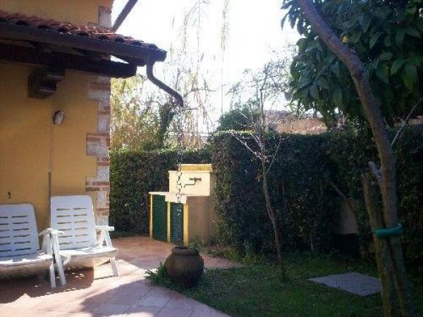 Riferimento SAR47 - detached house in Affitto Estivo in Forte Dei Marmi
