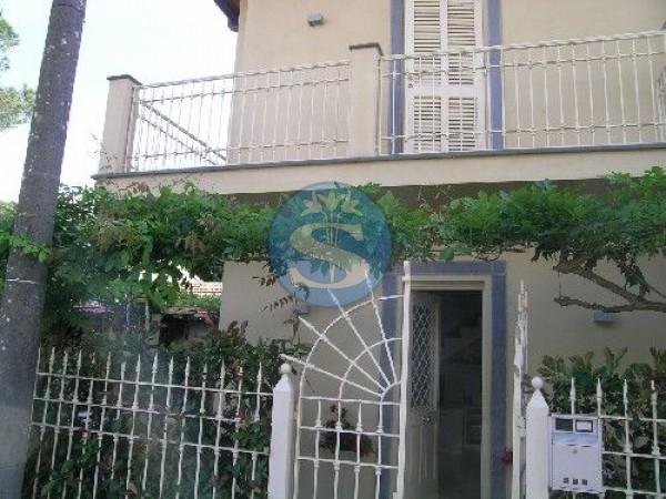 Reference SAR836 - Detached House for Rent in Vittoria Apuana