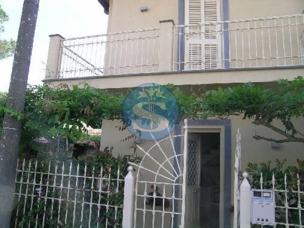 Riferimento SAR836 - Detached House in Rentals a Forte dei Marmi - VITTORIA APUANA