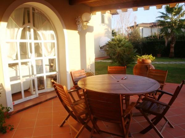 Riferimento SAR266V - villa in Affitto Estivo in Forte Dei Marmi