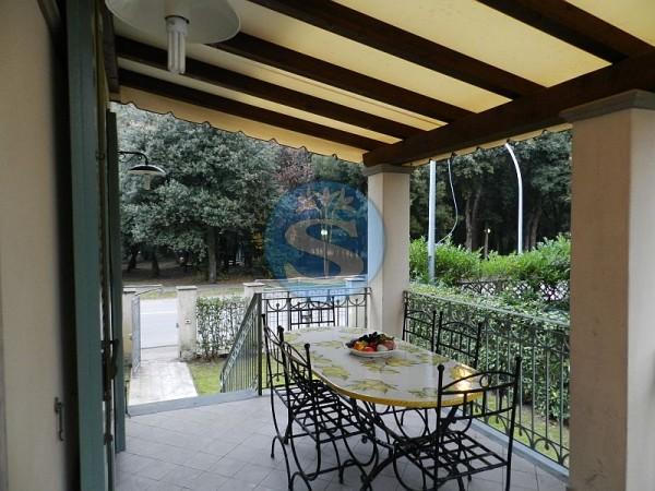 Riferimento SA53 - Villetta in Affitto a Marina Di Pietrasanta