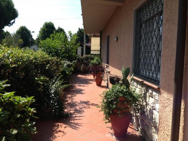 Riferimento SA185 - villetta in Affitto Estivo in Forte Dei Marmi
