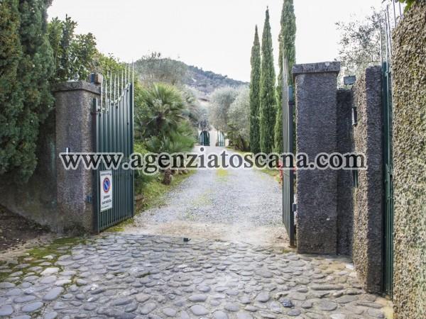 Villa in vendita, Lucca - Gattaiola -  2