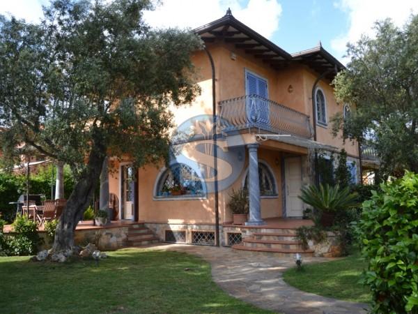 Riferimento SAX050 - Villa in Affitto a Pietrasanta - Marina di Pietrasanta