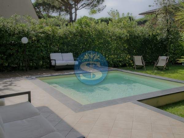Reference SA179 - Villa for Rentals in Forte dei Marmi