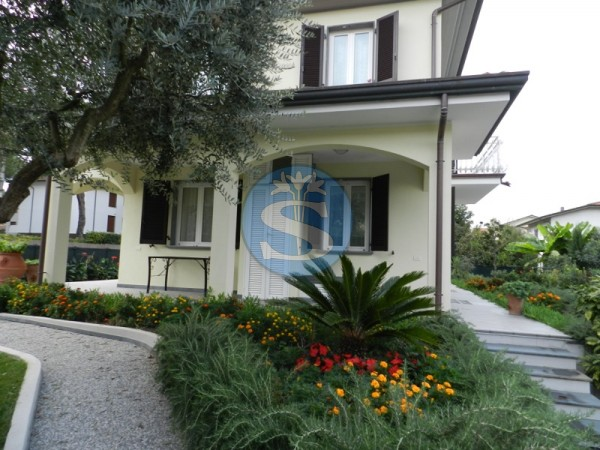 Riferimento SA190 - Villa in Affitto a Montignoso - Cinquale