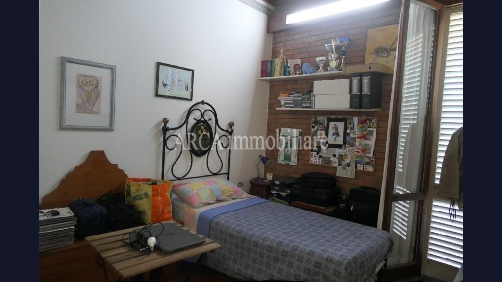 Villain Vendita, Pietrasanta - Collina - Riferimento: A2113