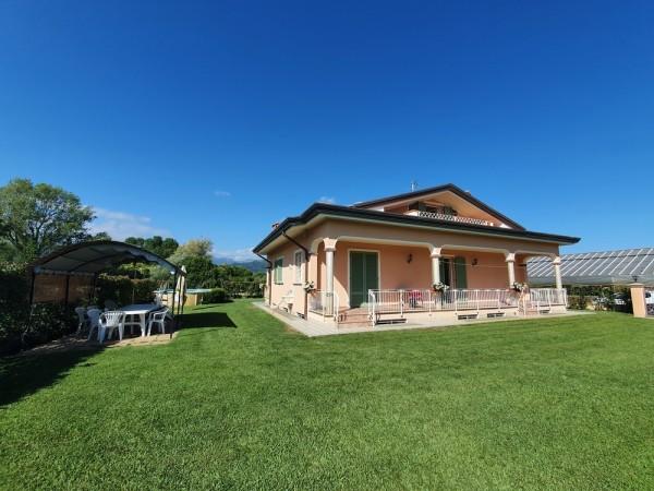 Riferimento 1R2014 - Villa Singola in Vendita a Viareggio