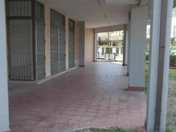 Riferimento L1E4001 - Locale Commerciale in Affitto a Viareggio