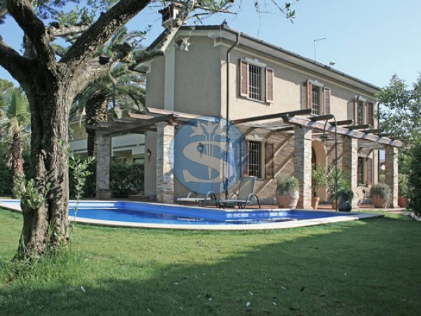 Riferimento SA525 Roberto - Villa in Affitto a Forte dei Marmi