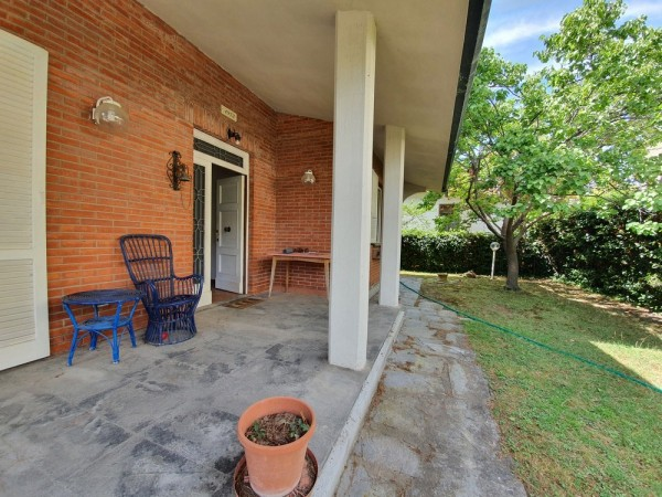 Riferimento 1E2502 - Villa Singola in Vendita a Viareggio