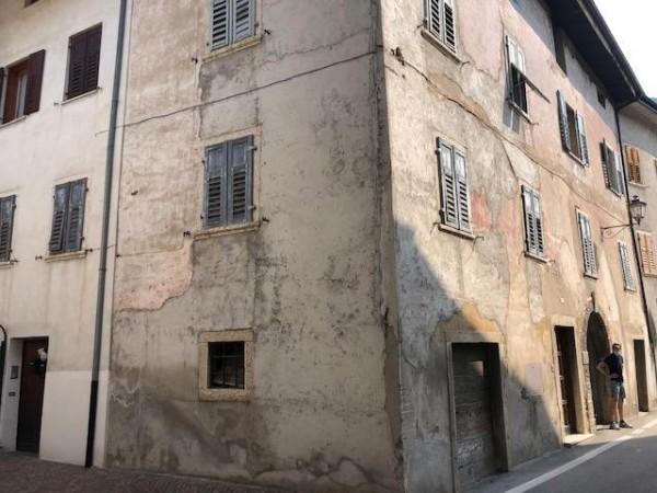 Riferimento H014 - Stabile - Palazzo in Vendita a Mezzolombardo