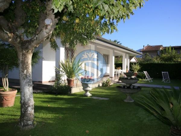 Reference SA504 Carla - Villa for Rentals in Forte dei Marmi