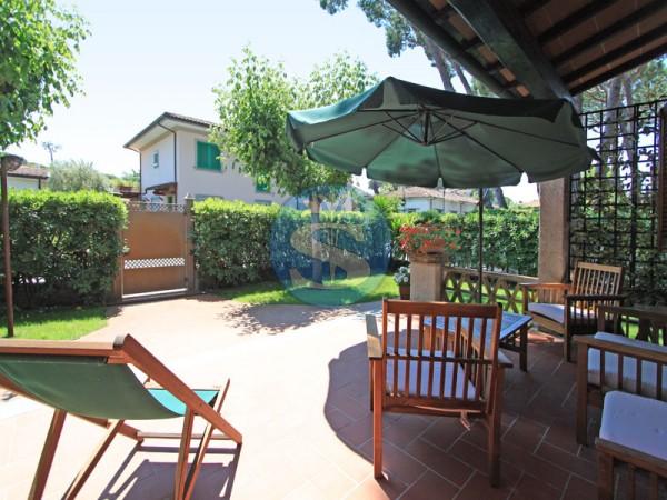 Riferimento SA508 Andrea - Villa in Affitto a Forte dei Marmi