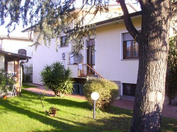 Villa Singola in vendita, Camaiore, Lido di Camaiore