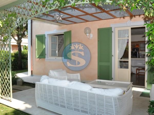 Riferimento SA93 - Villa in Affitto a Pietrasanta - Marina di Pietrasanta