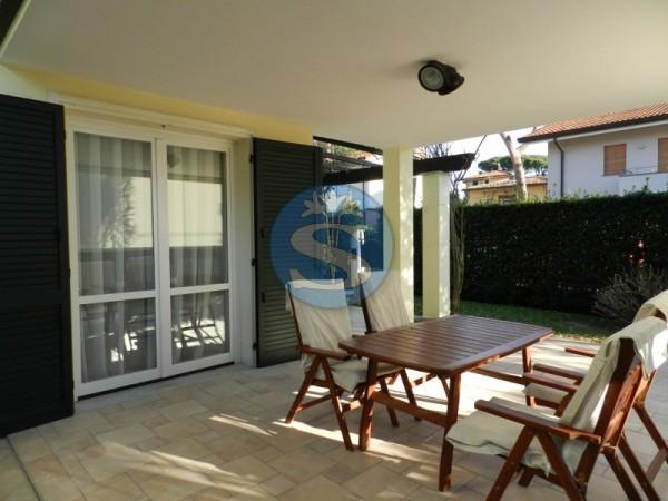 Riferimento SA129 - Villa in Affitto a Pietrasanta - Marina di Pietrasanta