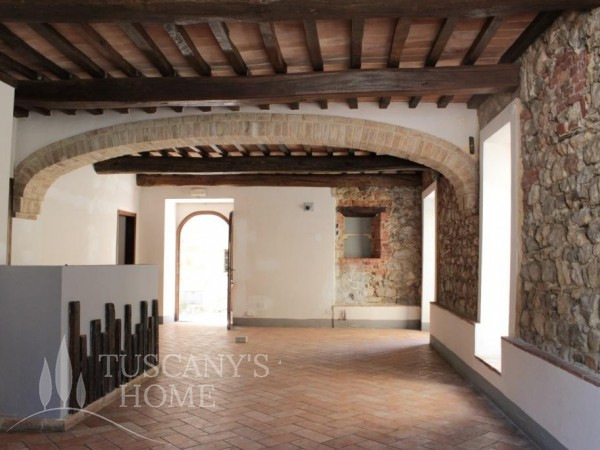 Reference CA479 - Shop for Sale in Montefollonico