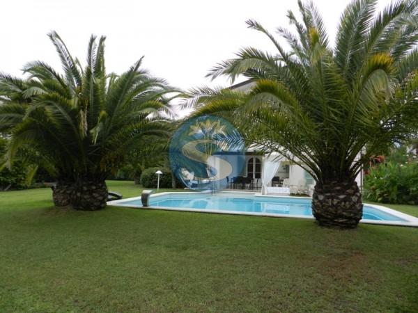 Riferimento SA279 - Villa in Affitto a Forte dei Marmi - CENTRO