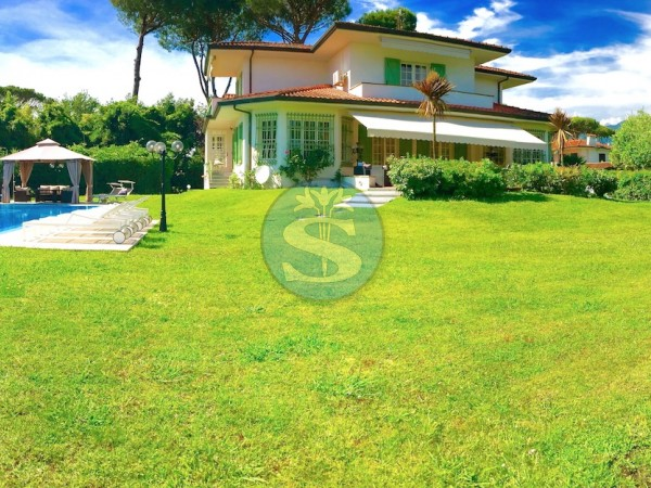 Riferimento SAG307 - Villa in Affitto a Forte dei Marmi