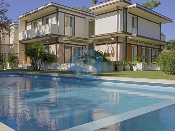 Riferimento SAG115 - Villa in Rentals a Forte dei Marmi