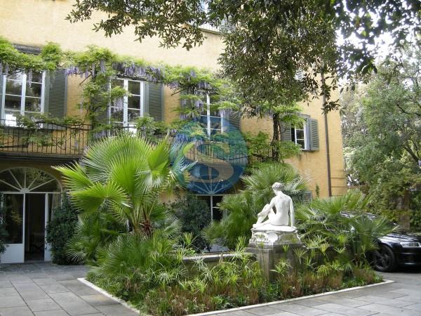 Riferimento SAG118 - Villa in Affitto a Forte Dei Marmi